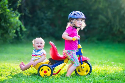 Younger siblings: are they better for older child's health? - Medical News Today