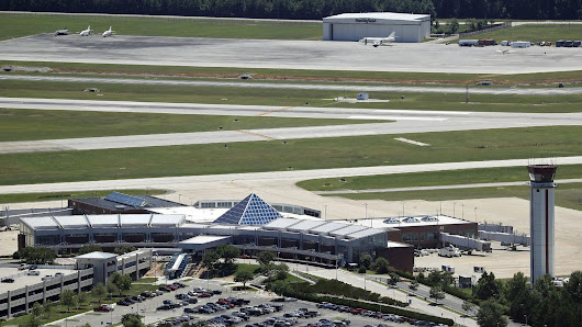 Daily Press, Peninsula Airport Commission respond to lawsuit by former airport director