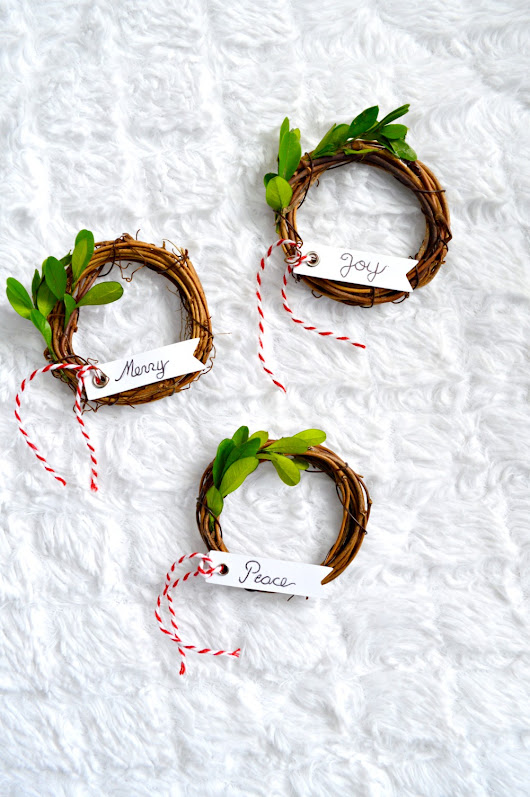 DIY Grapevine Ornament Wreath - My Uncommon Slice of Suburbia