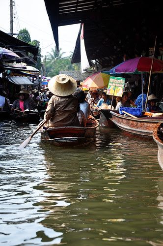 FloatingMarket1