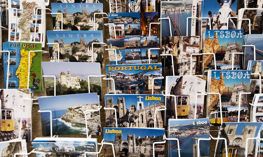 Collection of postcards in Lisbon, Portugal © 123rf.com/Juana Garrido Jiménez