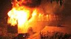 Manaus: grupo ateia fogo em ônibus (Marinho Ramos/Semcom)