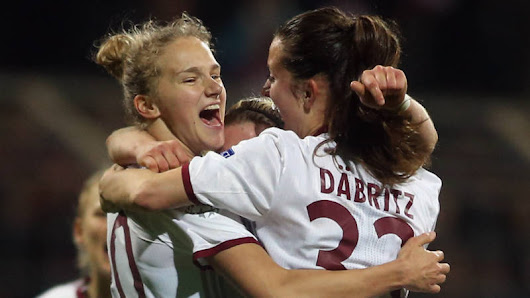 Miedema schiet Bayern langs PSG in Champions League