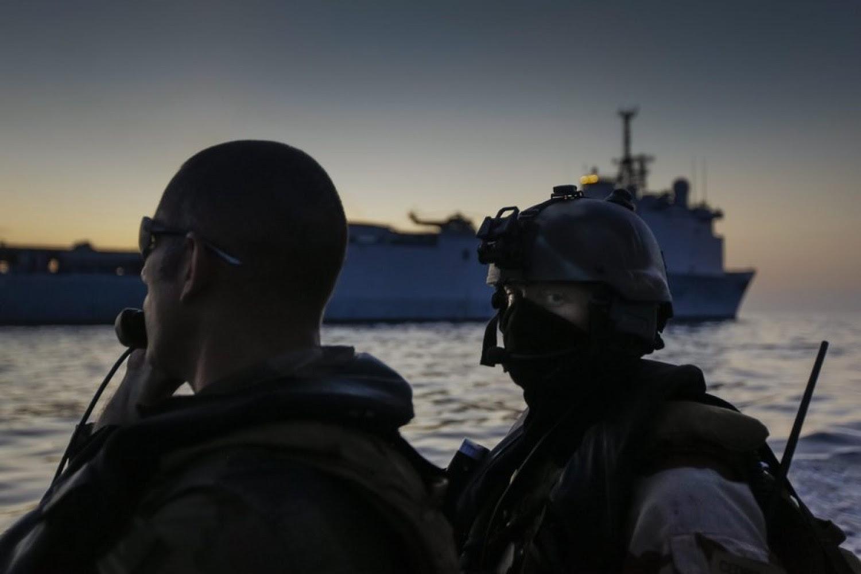 Καταργούνται θέσεις στρατιωτικών στο εξωτερικό