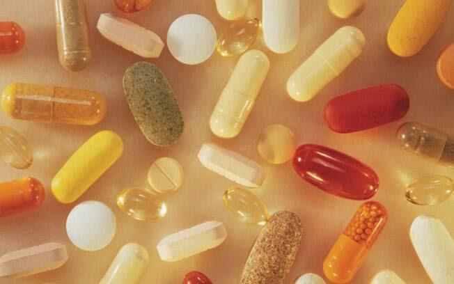 Suplementos vitamínicos sem necessidade: a vitamina C aumenta a absorção de ferro, por exemplo, e o excesso de ferro lesiona o fígado. Foto: Getty Images