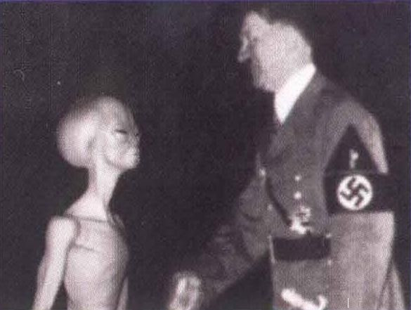 http://www.paranormal-encyclopedie.com/wiki/uploads/Images/HitlerAlienFaux.jpg