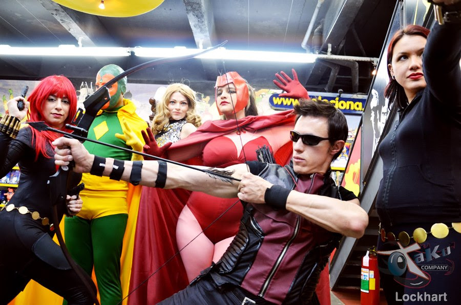 http://fc09.deviantart.net/fs70/f/2012/285/a/8/hawkeye_and_friends___edu_kiss___cosplay_by_edukiss-d5hmmx7.jpg
