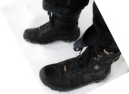 365-7 :: feet
