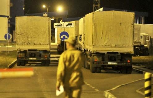 παραμένουν-στα-ρωσοουκρανικά-σύνορα-τα-φορτηγά-ανθρωπιστικής-βοήθειας