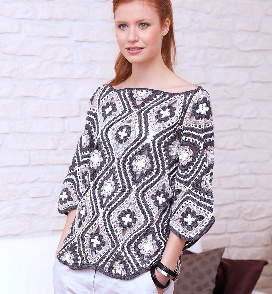 Pullover of floral lozenges