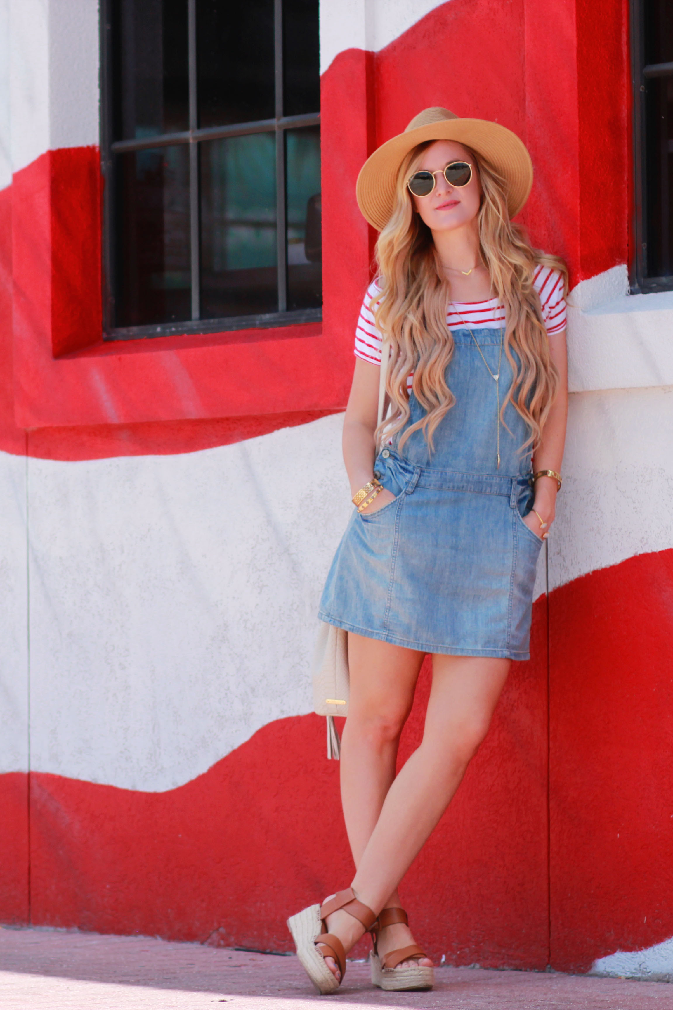 casual 4th of july outfit  upbeat soles  florida fashion