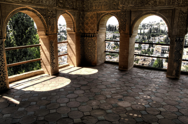 Archs and shadows. Alhambra, Granada. Arcos y sombras.