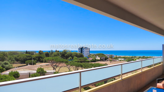 2 Bedroom Sea View Apartment in Quarteira