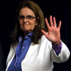 A presidente da Petrobras, Graça Foster, e cinco dos seis diretores da estatal renunciaram aos seus cargos nesta quarta-feira