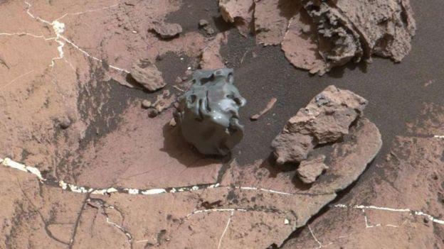 Meteorito metálico em Marte