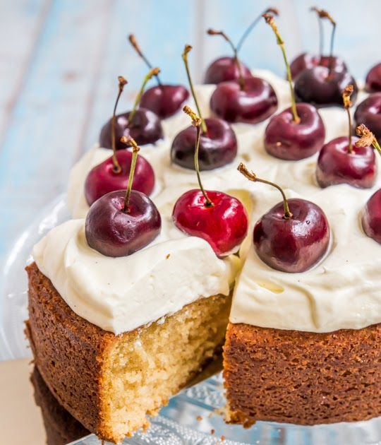 Brown Butter Cake Raspberri Cupcakes