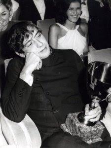 1968- Carmelo Bene con il premio speciale della Giuria per il film Nostra Signora dei Turchi, foto Bernardi Venezia