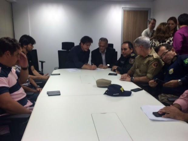 Robinson Faria e cúpula da segurança no RN concederam entrevista beste domingo (31) (Foto: Fernanda Zauli/G1)
