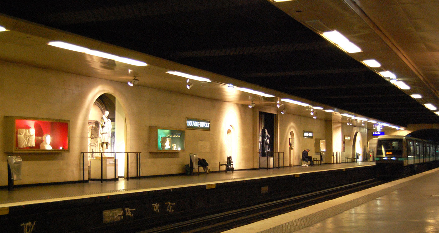 http://upload.wikimedia.org/wikipedia/commons/a/a1/Station-louvre-rivoli.jpg