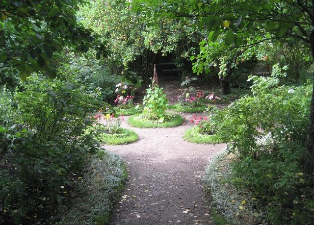 611 Runebergin puutarha