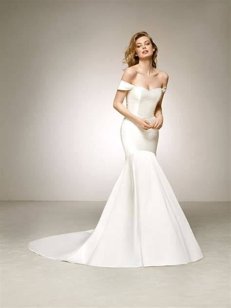 Elegant mikado wedding dress with off the shoulder sleeves