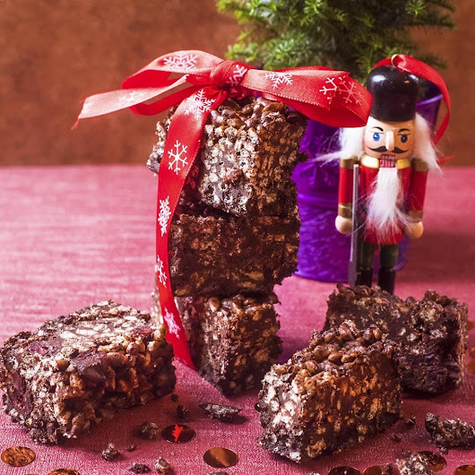 Festive Chocolate Crunch Bars - Hungry Healthy Happy