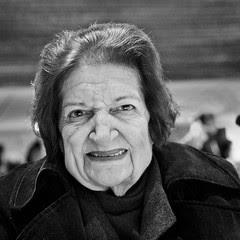 Helen Thomas, Journalist