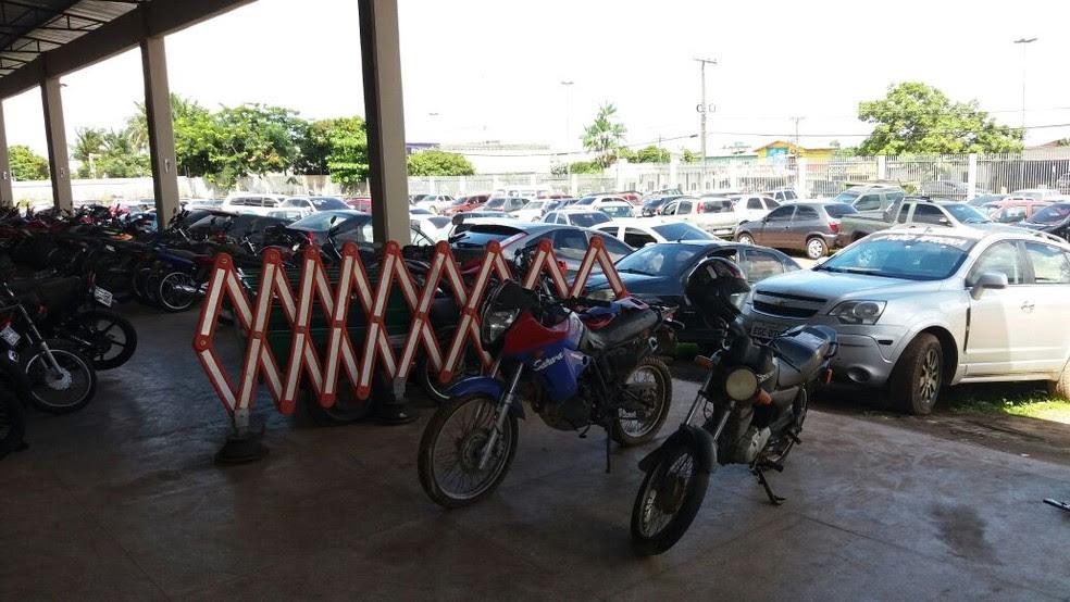 Golpe sugeria troca de dinheiro por serviços ilícitos do Detran (Foto: Jorge Abreu/G1)