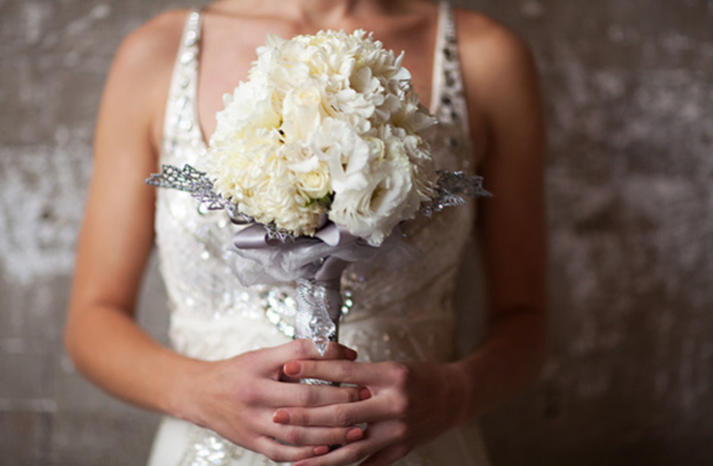 Winter White Wedding Flowers vintage winter wedding bouquets