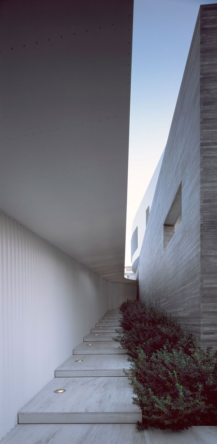 A Private House by Divercity Architects In Psychiko, Athens, Greece | Yatzer