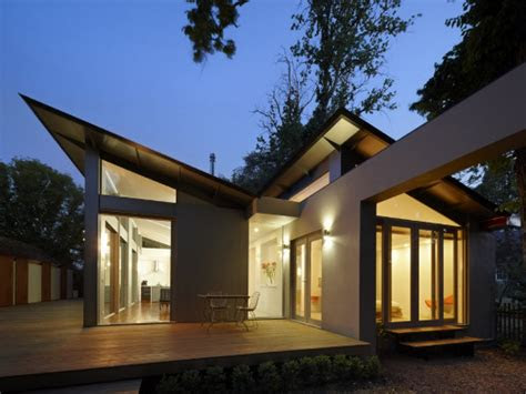 single story bungalow house single story modern house