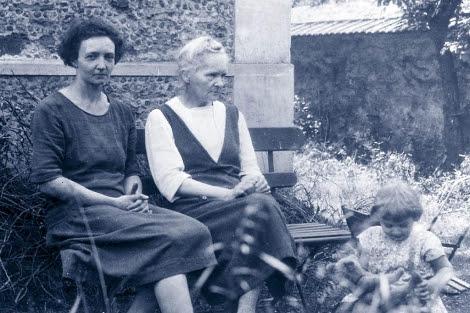 Marie Curie, su hija Irène y su nieta. | El Mundo