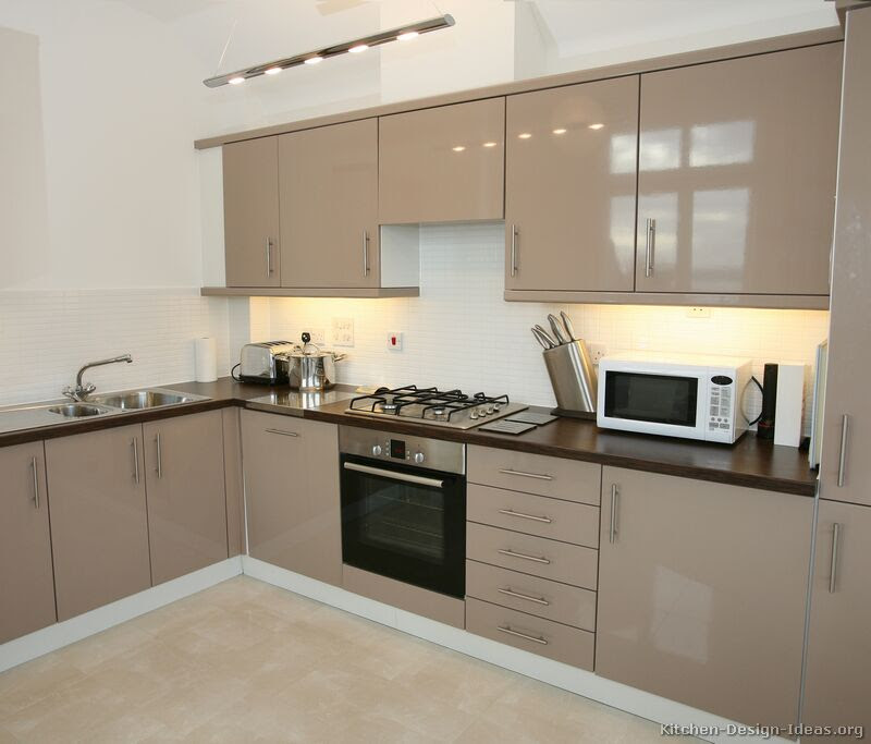 Pictures of Kitchens - Modern - Beige Kitchen Cabinets