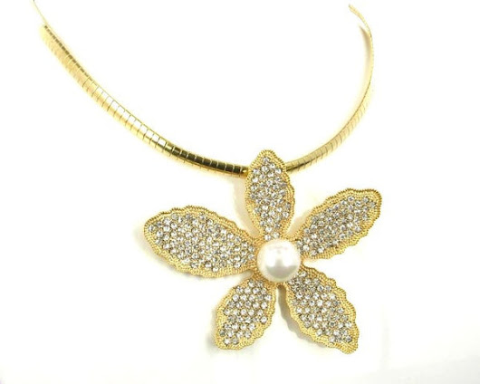 DAISY GOLD NECKLACE
