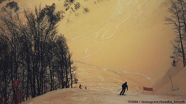 """De la """"neige orange"""" en Russie"""