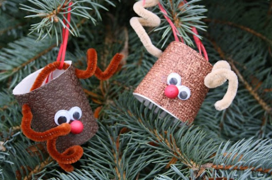 Recycling Toilet Paper Rolls into DIY Christmas Decors - Impact Hygiene