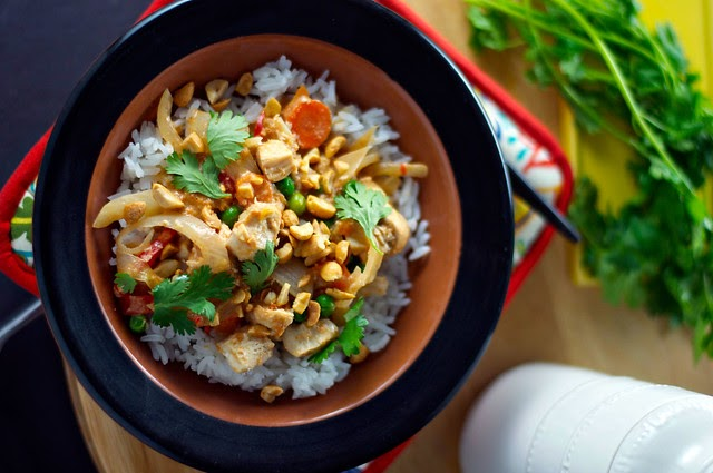 *slow cooker thai chicken and rice.