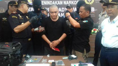 Cuba Bawa Masuk Dadah, Benjy Ditahan Polis Indonesia