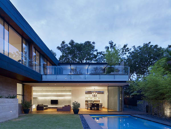 45 faber park residence 17 Gorgeous Sculptural Geometric Family Home in Singapore