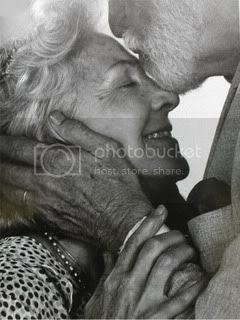 http://i9.photobucket.com/albums/a94/krzy4evr/myspace%20graphics/1_old_couple.jpg