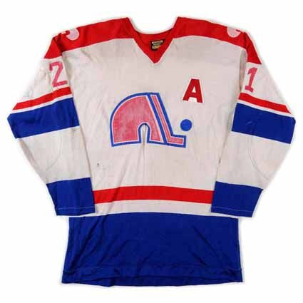 photo Quebec Nordiques 1974-75 F jersey.jpg