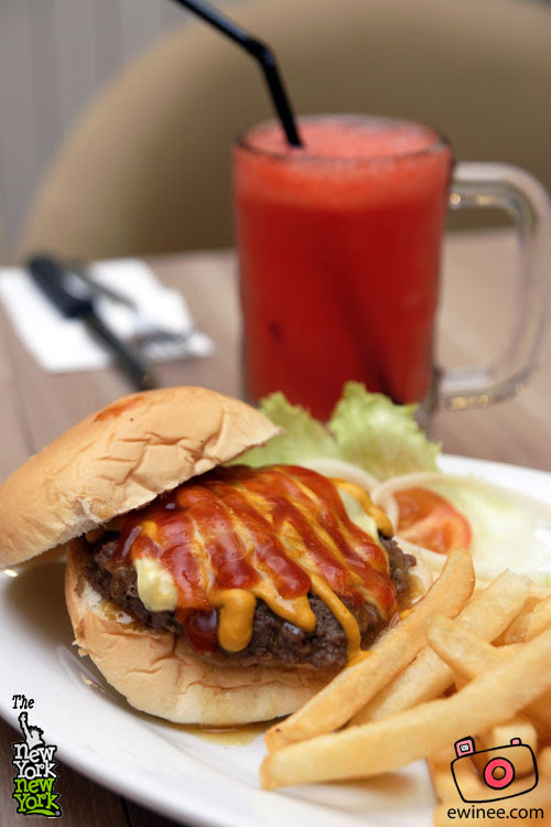 New-York NY-Juice-Supreme--Burger-401