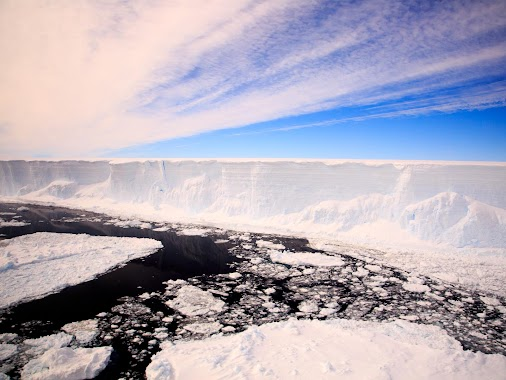 Scientists will finally explore mysterious marine ecosystem hidden beneath Antarctic for 120,000 years...