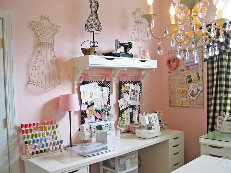 se virando com a costura inspira es para montar seu atelier de costura. Black Bedroom Furniture Sets. Home Design Ideas