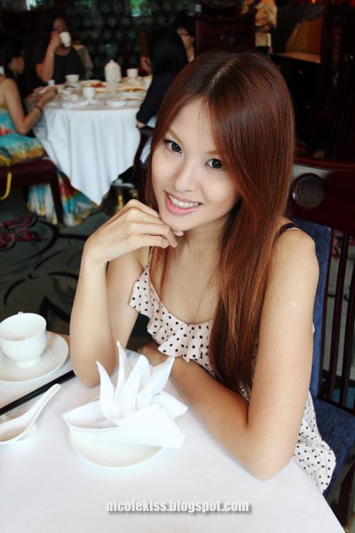 me in disneyland hotel lotus restaurant