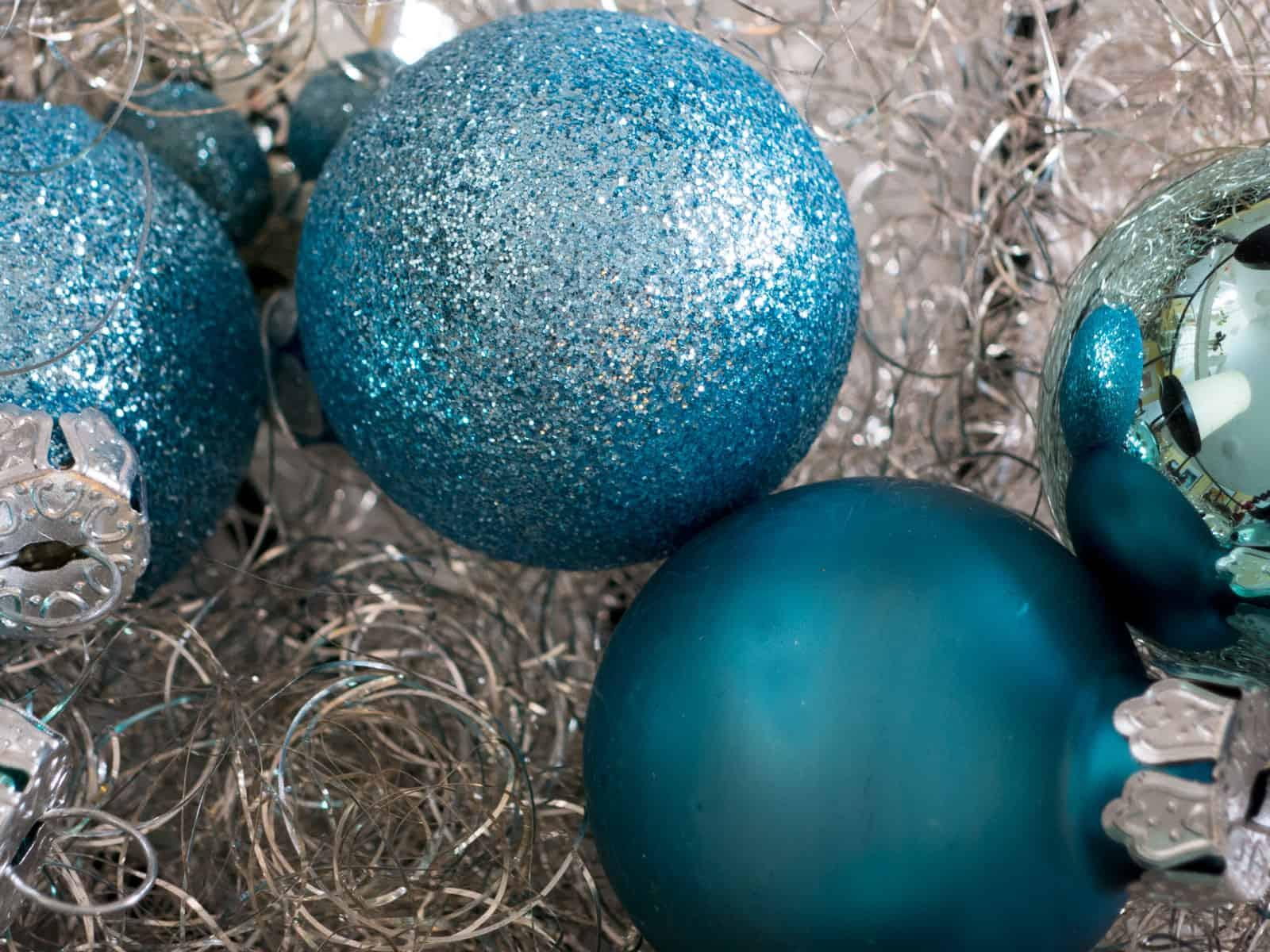 Weihnachtsfarben 2019 Trends Für Weihnachtsdeko Weihnachtskugeln