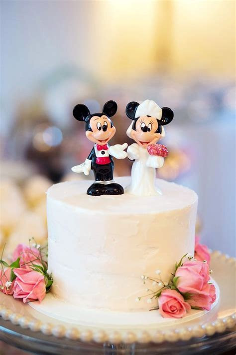 Mickey and minnie mouse wedding cake topper   A Unique and