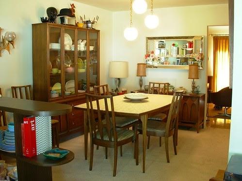 Mr Modtomic Craigslist Alert Broyhill Brasilia Dining Suite Just Listed 400 Status The Iron Is Hot