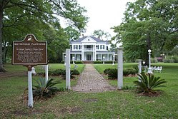 Blythewood Plantation House Amite Louisina entrance.jpg
