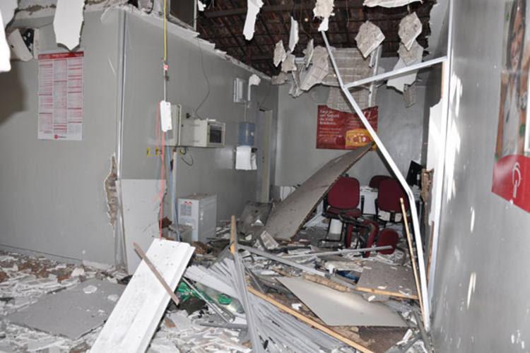 Terminal do banco Bradesco ficou totalmente destruído